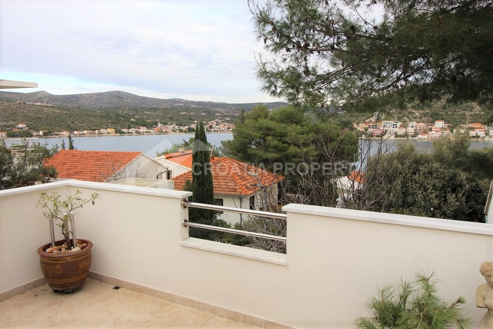 House with sea view for sale Rogoznica