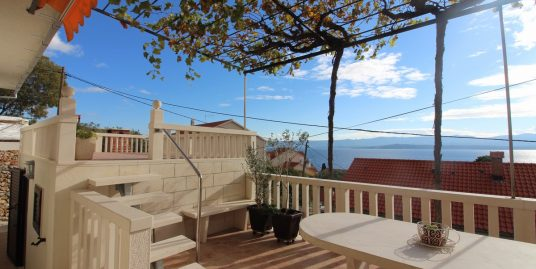 Apartment Bol with big terraces, sea view