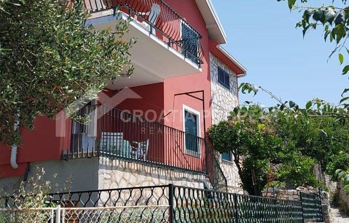 house with seaview Drvenik (2)