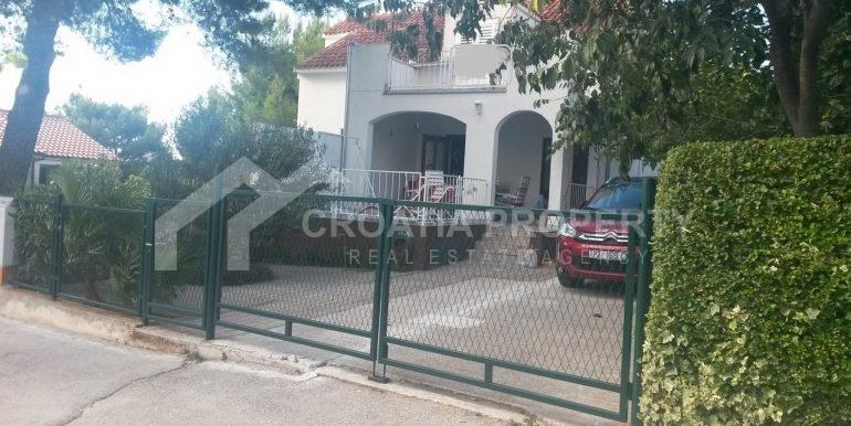 Kuća za prodaju Milna, Brač (3)