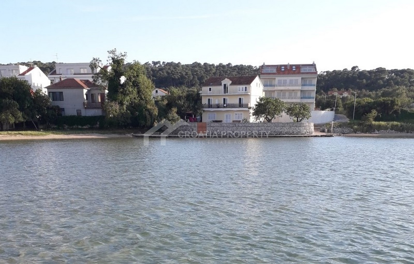 Newly built seafront apartment for sale Pasman