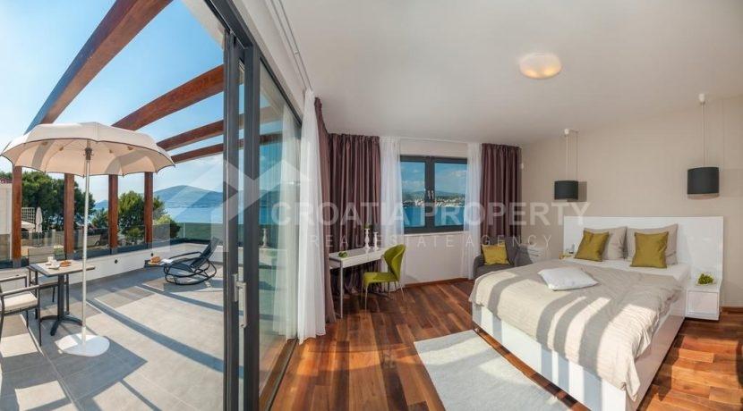 new seafront villa Ciovo 1