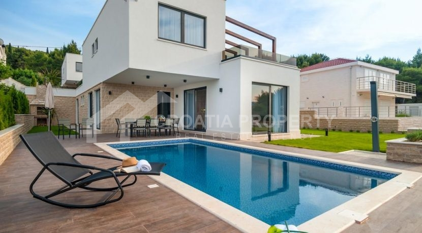 new seafront villa Ciovo 2