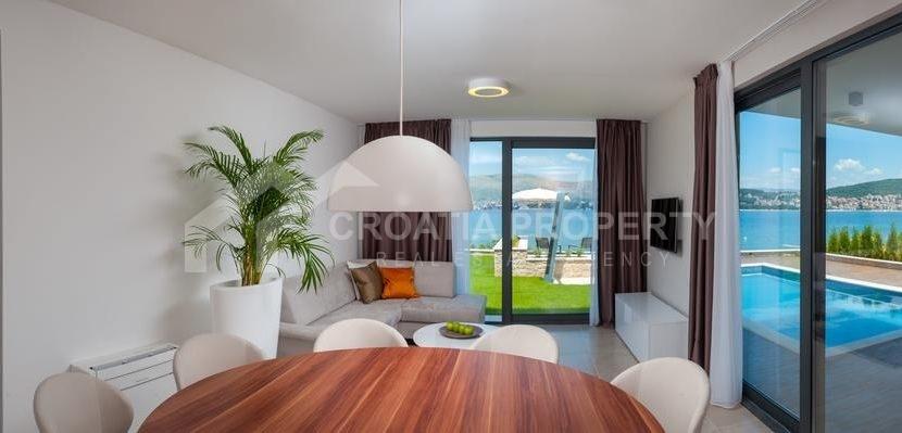 new seafront villa Ciovo 23