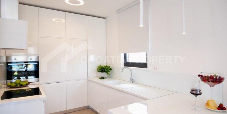 new seafront villa Ciovo 30