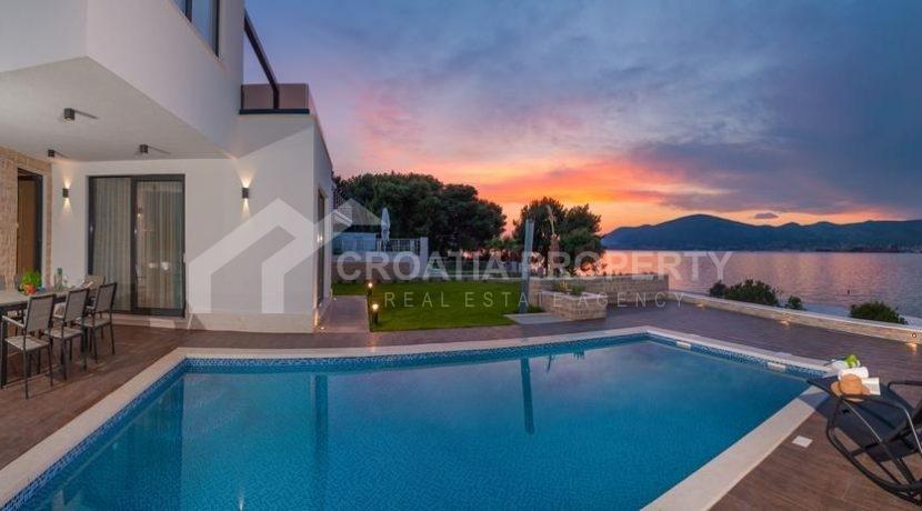 new seafront villa Ciovo 4