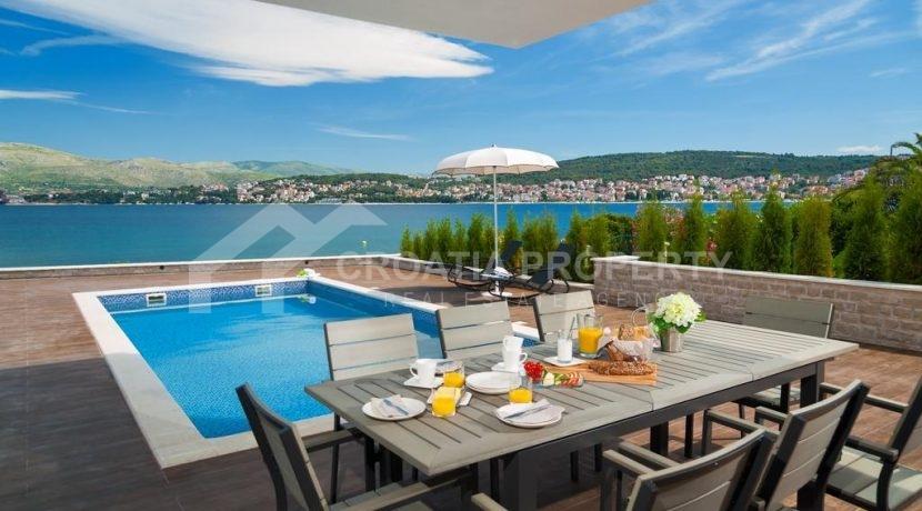 new seafront villa Ciovo 6