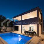House for sale on Brac - 1845 - pool (1)
