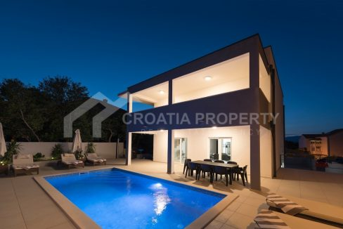 House for sale on Brac - 1845 - pool (1)