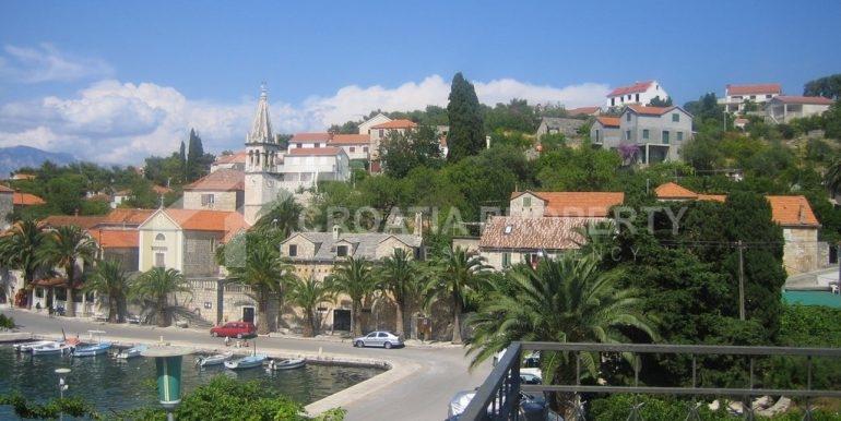 Splitska house close to the sea (6)