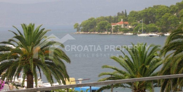 Splitska house close to the sea (7)