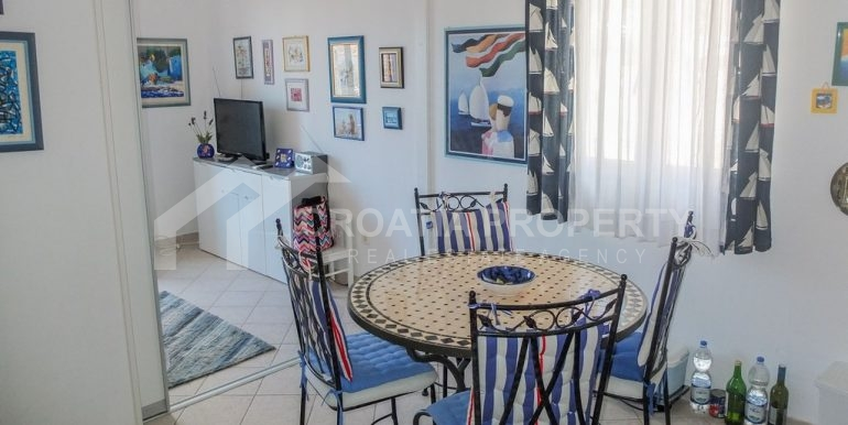 charming apartment in Bol (10)