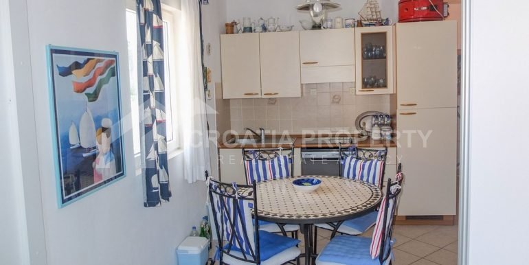 charming apartment in Bol (12)