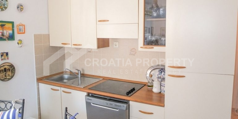 charming apartment in Bol (13)