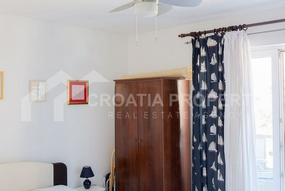 charming apartment in Bol (14)