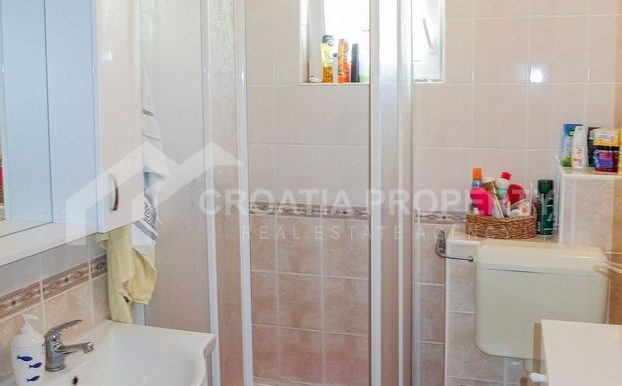 charming apartment in Bol (2)