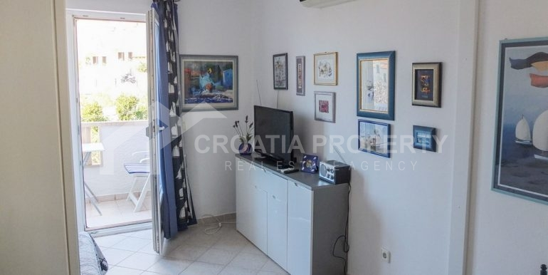 charming apartment in Bol (3)