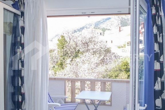 charming apartment in Bol (4)
