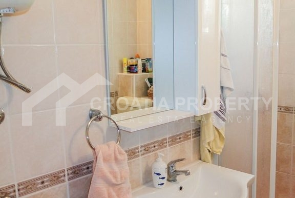 charming apartment in Bol (5)