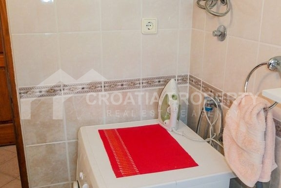charming apartment in Bol (7)