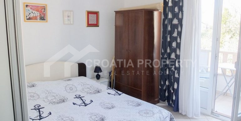 charming apartment in Bol (8)