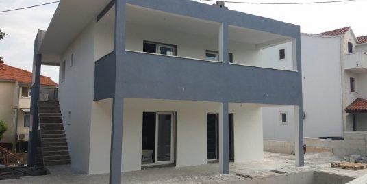 House for sale on Brac