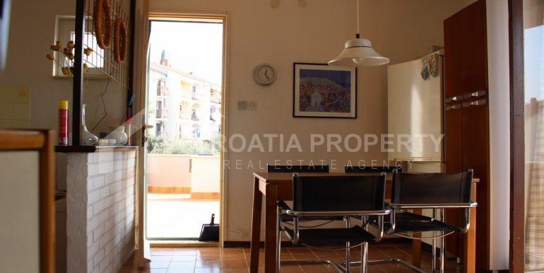 top floor apartment in Bol (7)