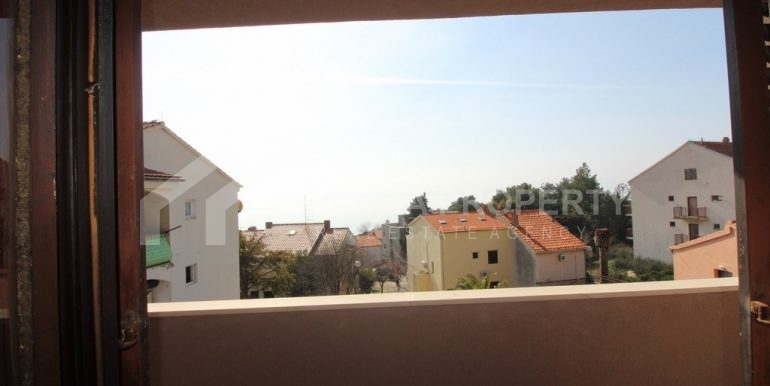 top floor apartment in Bol (9)