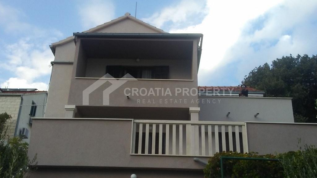 Apartman za prodaju u Bolu, Brač