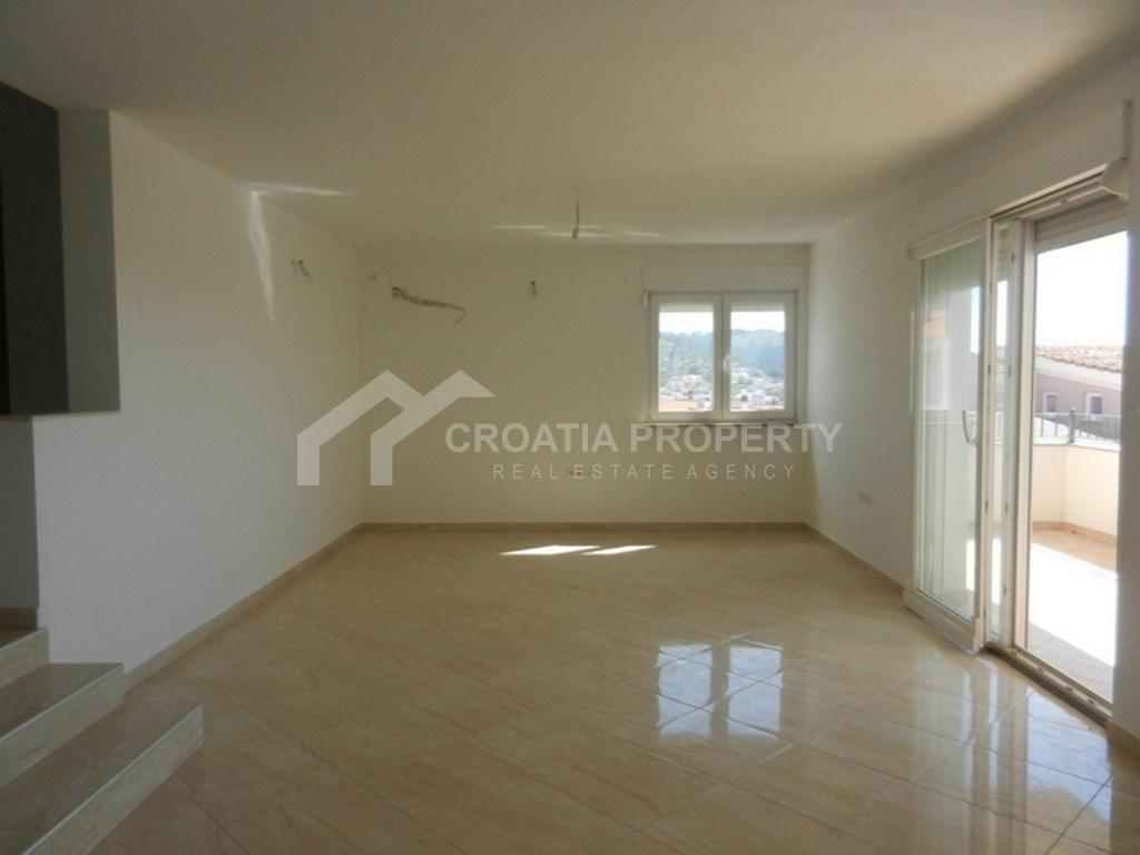 Apartment zum Verkauf Ciovo, in der Nähe des Meeres
