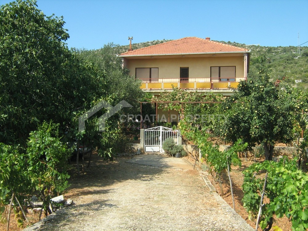Sea-view house for sale Marina