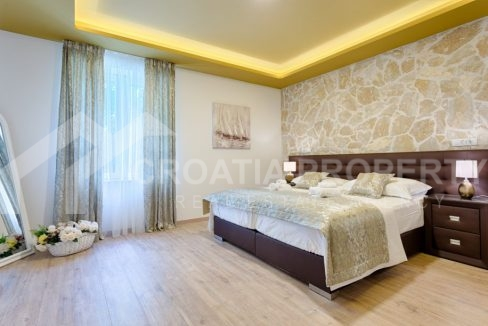 Three-bedroom apartment for sale Split, Bacvice - 1863 - bedroom (1)