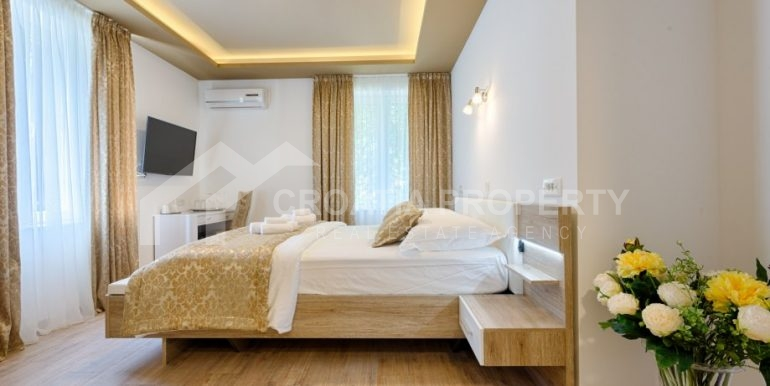 apt with 3 bedrooms (16)