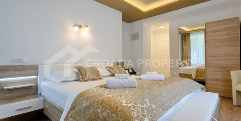apt with 3 bedrooms (17)