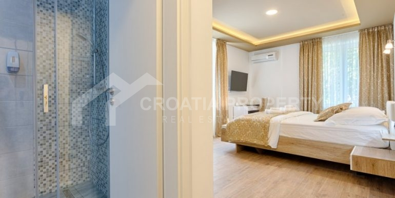 apt with 3 bedrooms (3)