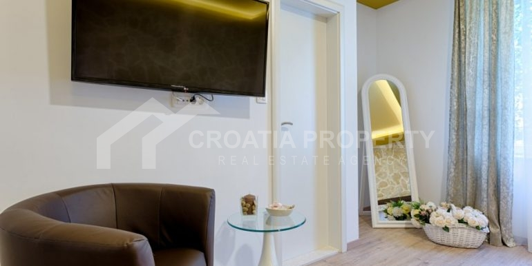 apt with 3 bedrooms (6)