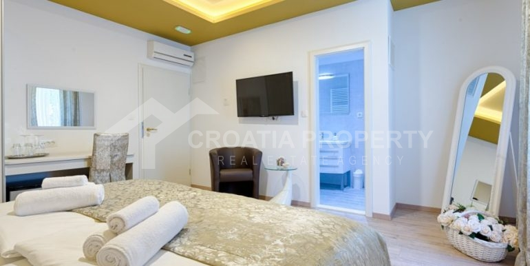 apt with 3 bedrooms (7)