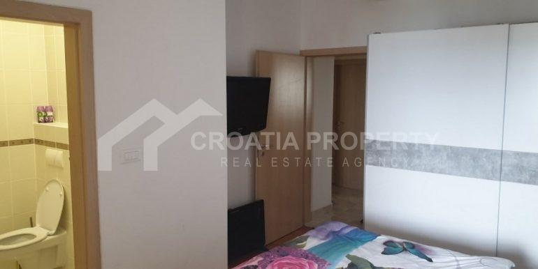 beautiful Sumartin apartment (13)