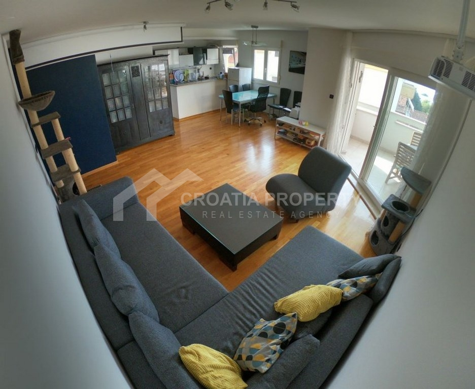 Spacious apartment for sale Split, Meje area