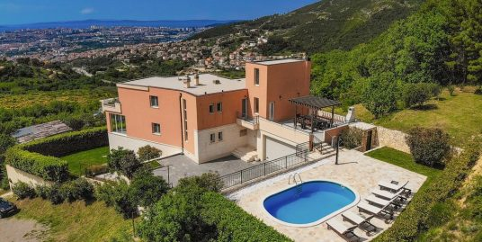Fantastic villa for sale in Klis
