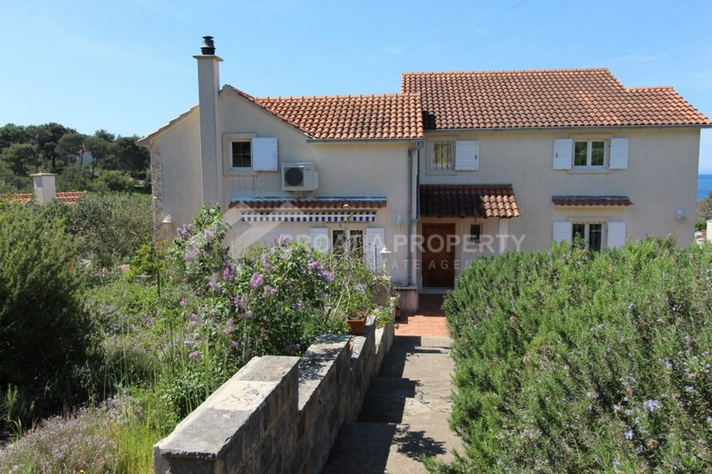 Seafront villa for sale Milna, fantastic plot