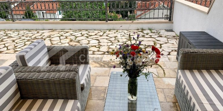 Bol apt with big terrace (1)