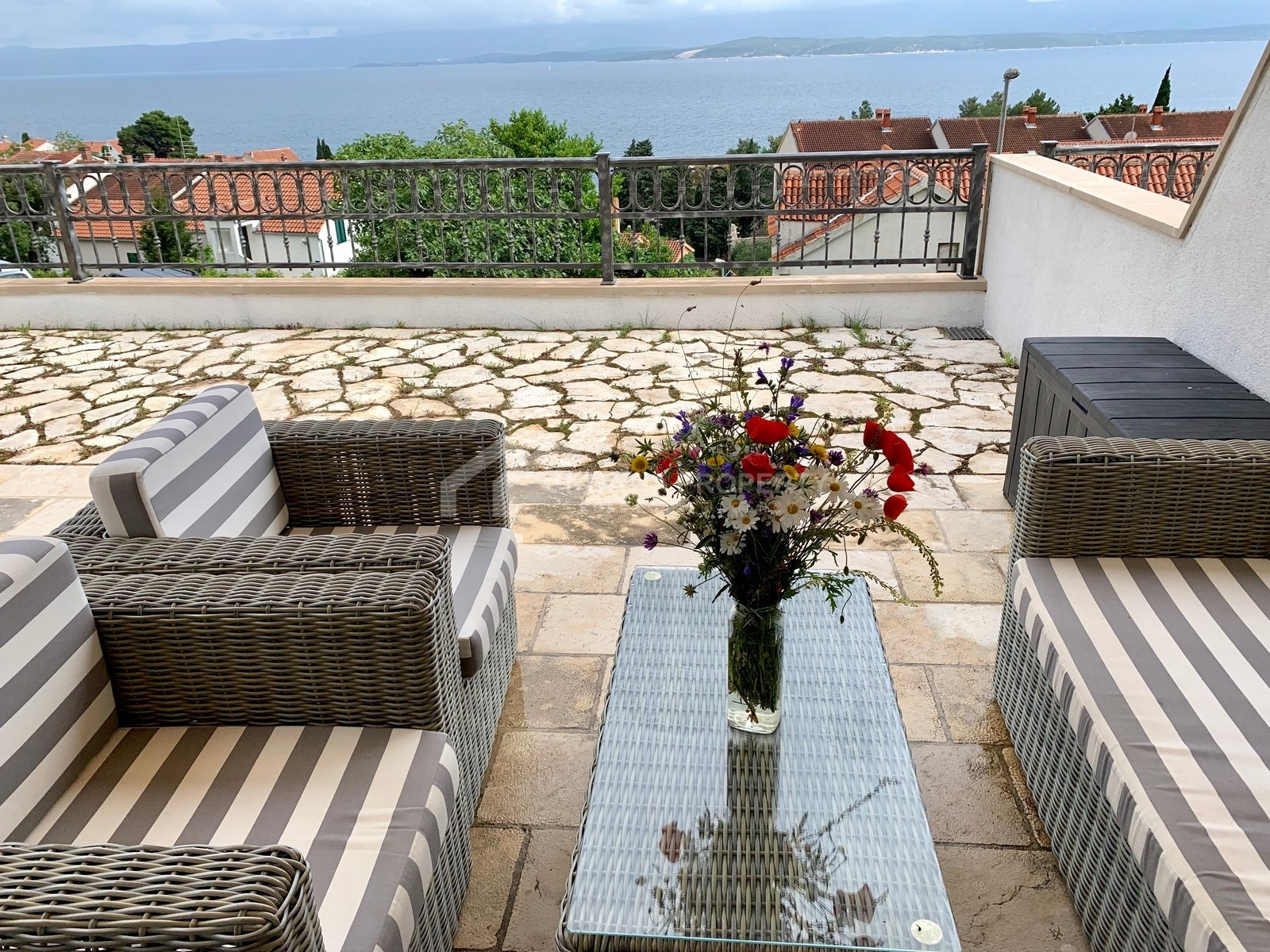 Great apartment for sale Bol, with big terrace