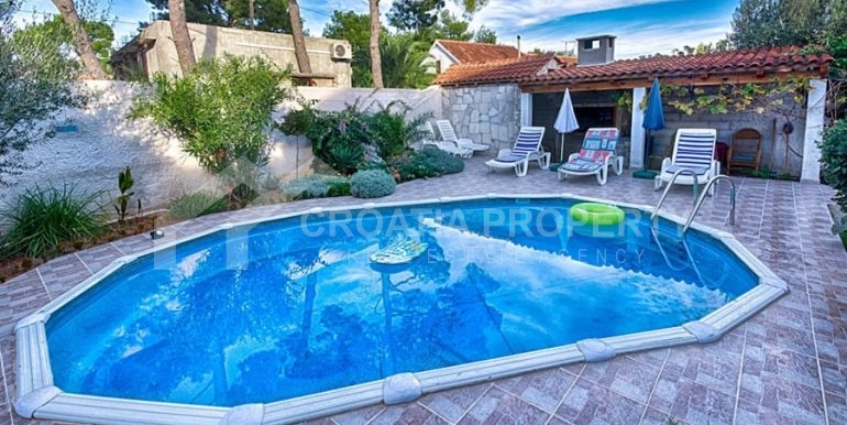 apartment house for sale brac (2)
