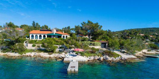 Seafront villa for sale Solta