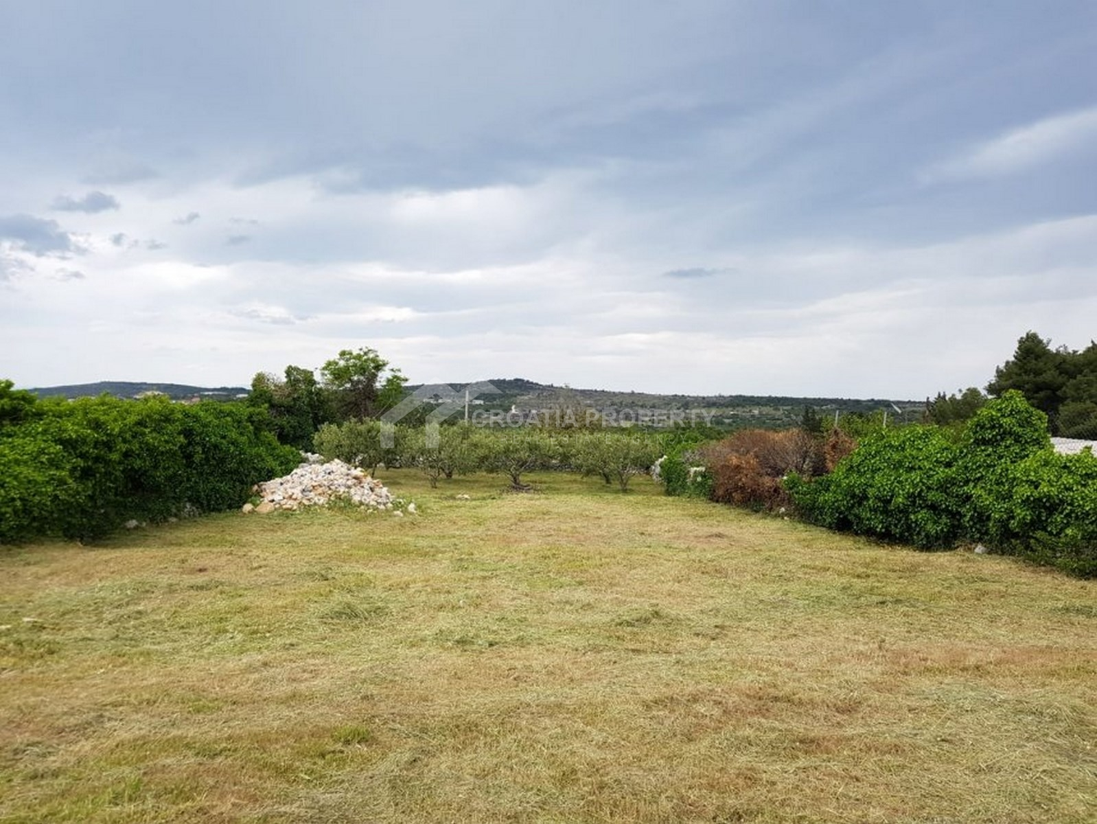 Building land for sale Nerezisca