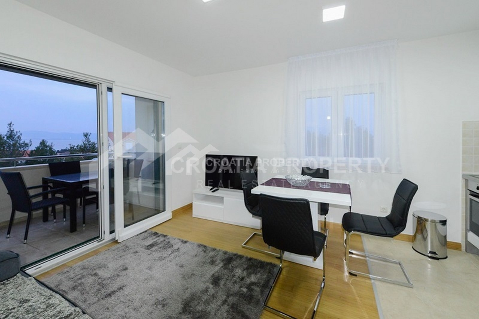 Two-bedroom apartment for sale Supetar