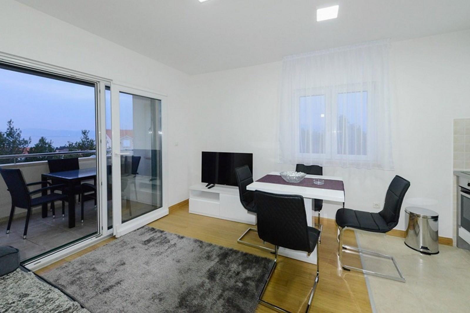 Dvosoban apartman na prodaju Supetar