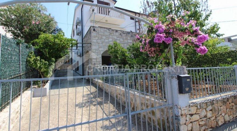charming Sutivan house (1)