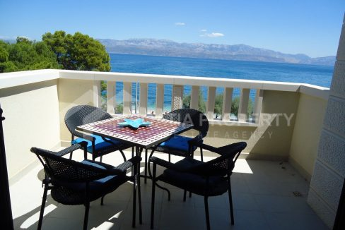 Luxurious seafront apartment for sale Sutivan - 1906 - terrace view (1)